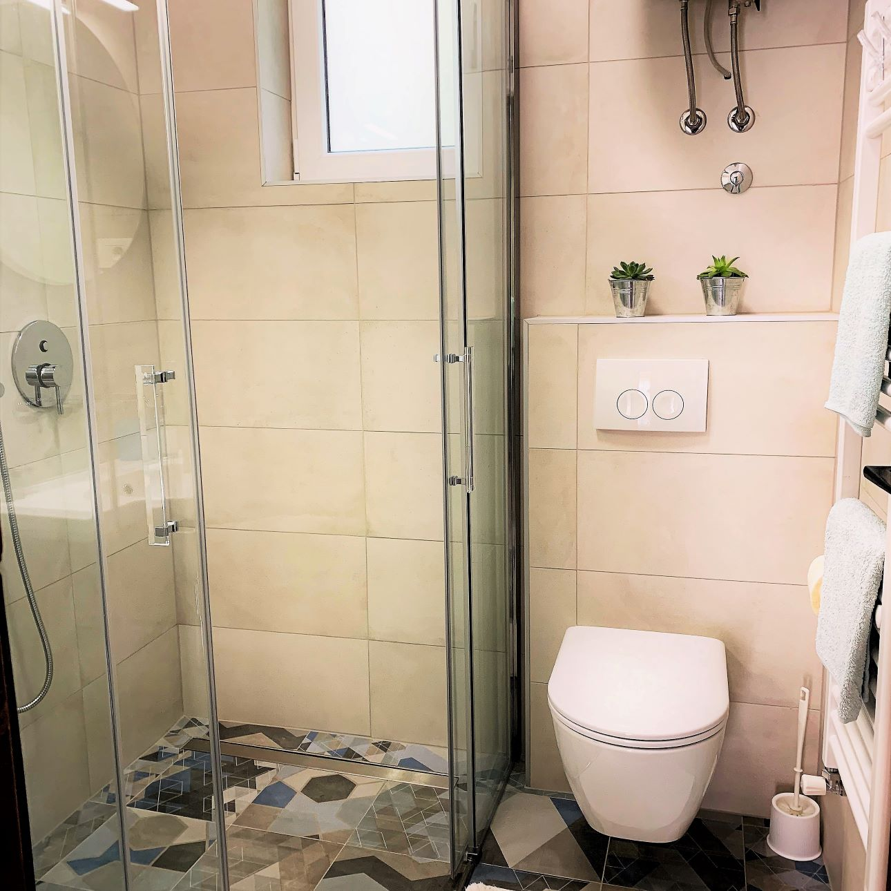 rustico bathroom with shower (2).jpg